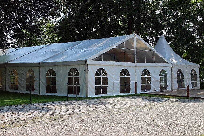 Nowoczesny wynajem namiotów i hal namiotowych