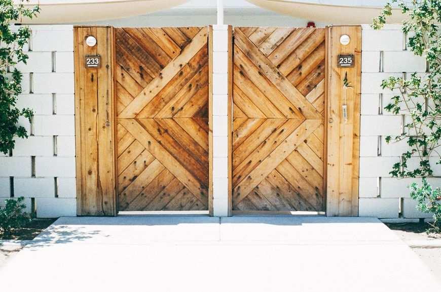 Wysokiej jakości drzwi drewniane